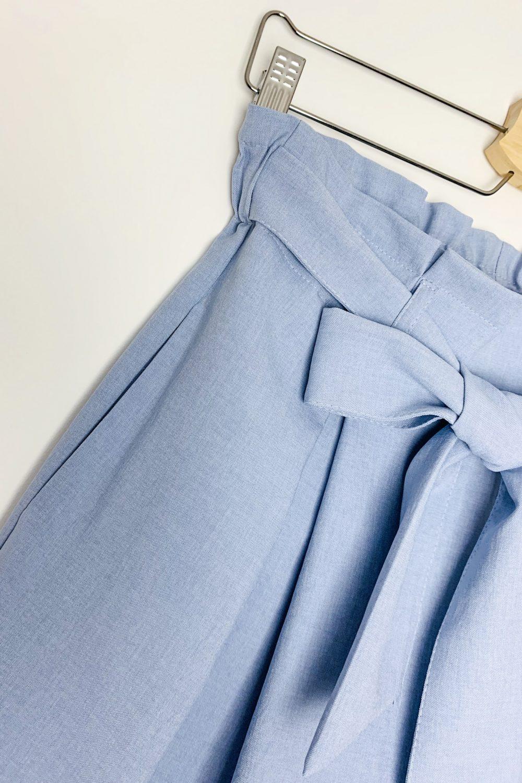 Spodenki materiałowe z wiązaniem niebieskie
