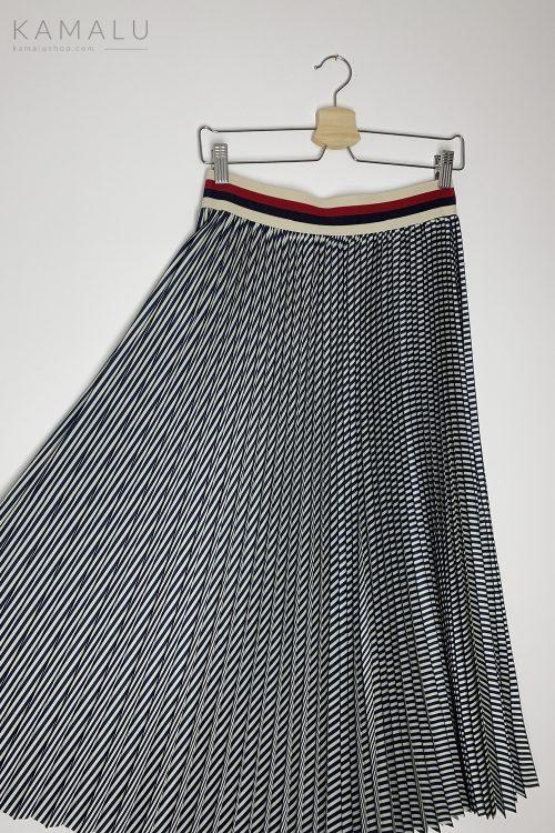 Dunkelblauer, Plissierter Midirock mit breitem Gummibund in der Taille