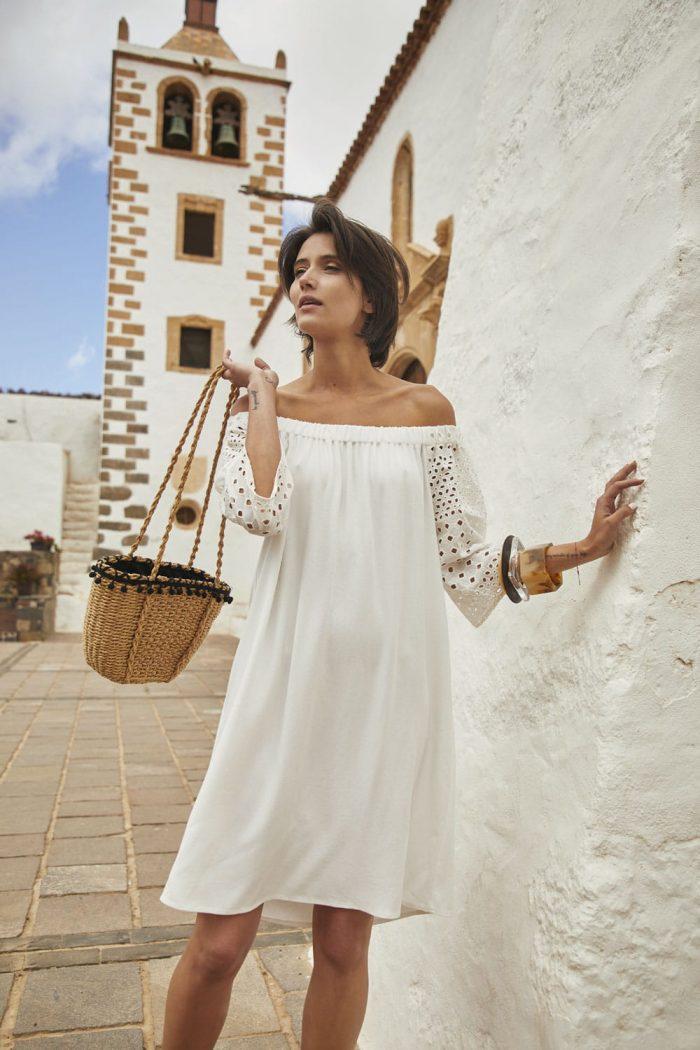 Sukienka hiszpanka z haftowanymi rękawami