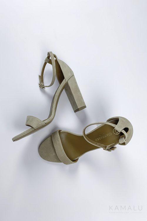 Sandałki skórzane na słupku