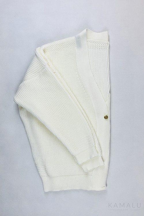 Strickpullover mit V-Ausschnitt am Rücken