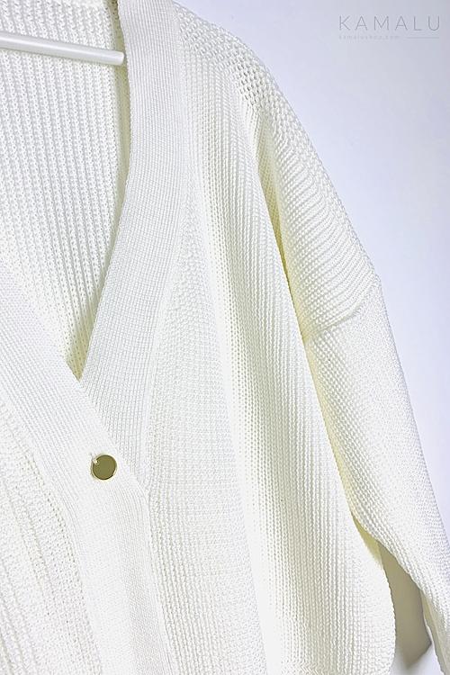 Sweter z dekoltem na plecach ekru