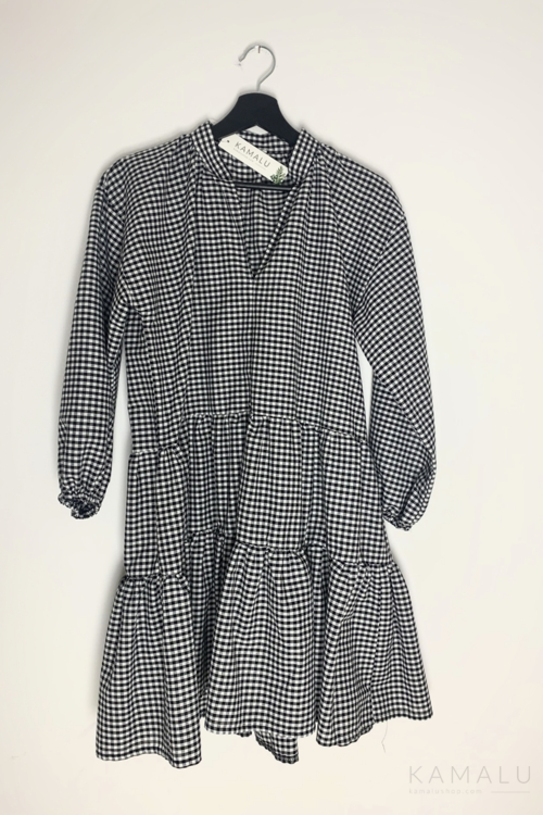 Kurzes Oversize-Kleid mit Volants